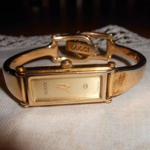 AUTHENTIC GOLD GUCCI WATCH NEEDS BATTERY VINTAGE
